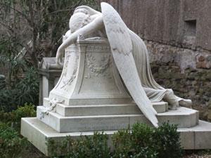 L'angelo del dolore, statua scolpita dallo scultore americano William Wetmore Story
